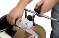 Vorrichtung für lange, dünne Messer